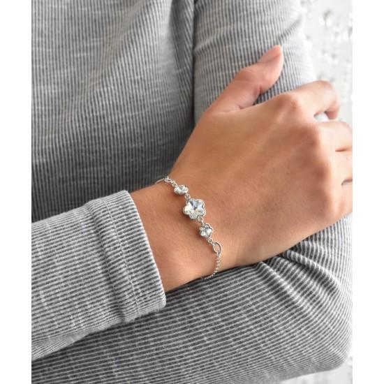 Stříbrný náramek se Swarovski krystaly bílá kytička 33112.1