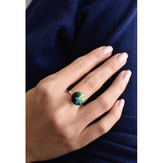 Stříbrný prsten s krystaly zelený 35018.5 vitrail medium
