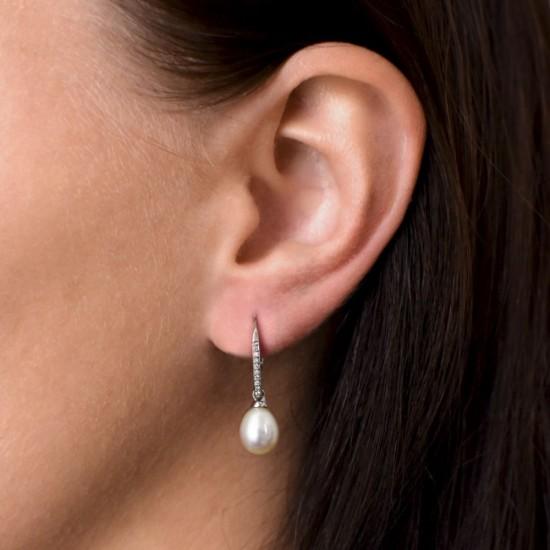 Stříbrné náušnice visací s bílou říční perlou 21060.1