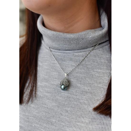 Stříbrný přívěsek s krystaly Swarovski a tahiti perlou 74026.3