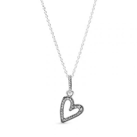Náhrdelník snáhrdelníkovým přívěskem Třpytivé srdce nepravidelného tvaru