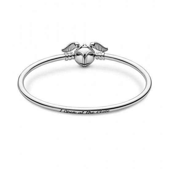 Pevný náramek se sponou Pandora Moments Harry Potter Zlatonka